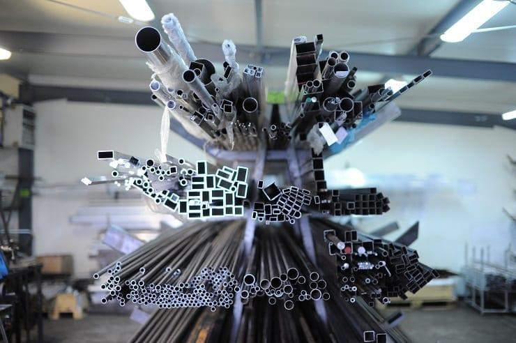 obróbka plastyczna materiałów w firmie produkcyjnej z Gdyni