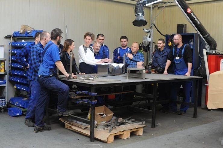 produkcja mebli ze stali nierdzewnej