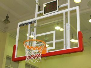 180x105 cm Tempered glass basketball backboard on a frame