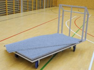 Transport and storage trolley for 100 floor protecting mats 2x1 m