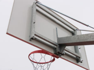 180x105 cm GRP backboard with a height adjustment mechanism (outdoor)
